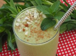 spearmint-smoothie-2.jpg