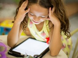 unsplash-image-girl-with-ipad.jpg