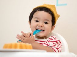 toddler-with-food-kazuend-unsplash.jpg